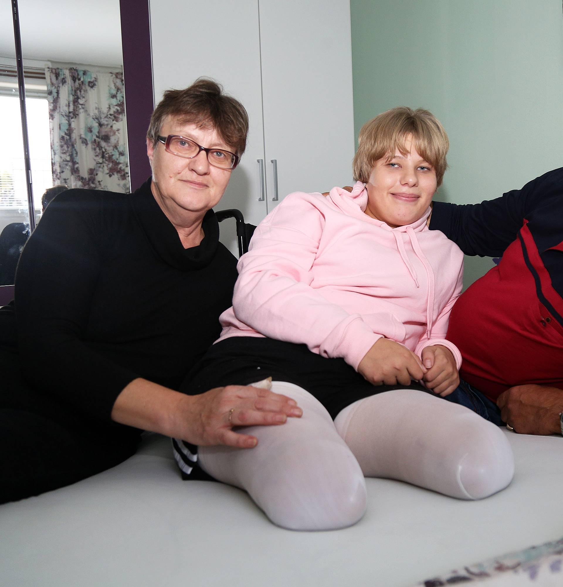 Tata je skupio snagu i rekao: 'Anita, moraju ti odrezati noge'