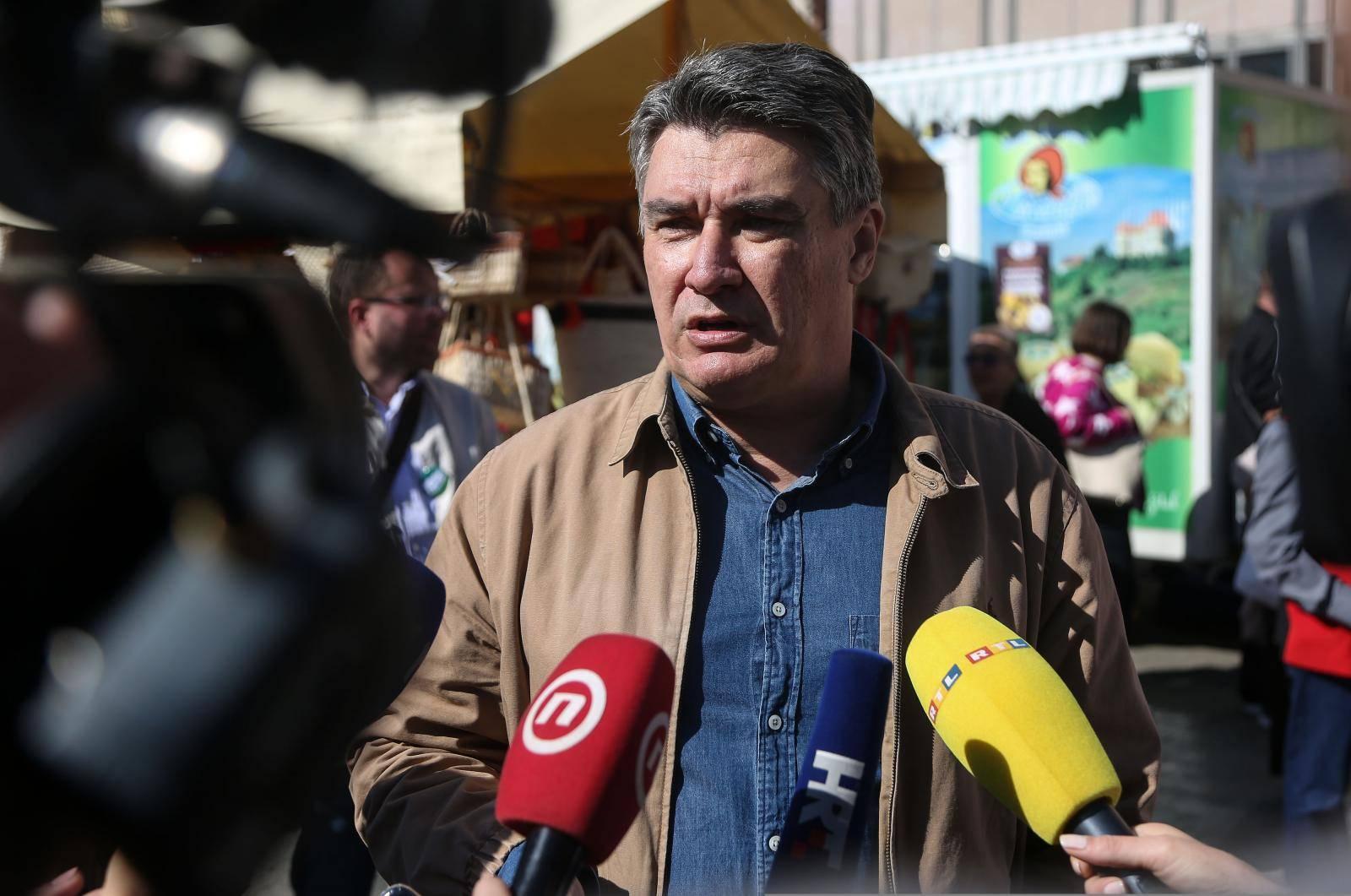 Zagreb: Predsjednički kandidat Zoran Milanović obišao sajam 100% zagorsko na glavnom gradskom trgu