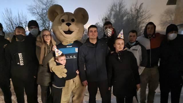Party u kontejneru: Metalko je razveselio djecu na rođendanu