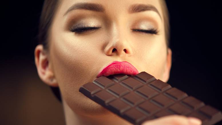 Malo istraživanje pokazalo da je čokoladu u redu jesti nakon buđenja, ali i prije spavanja