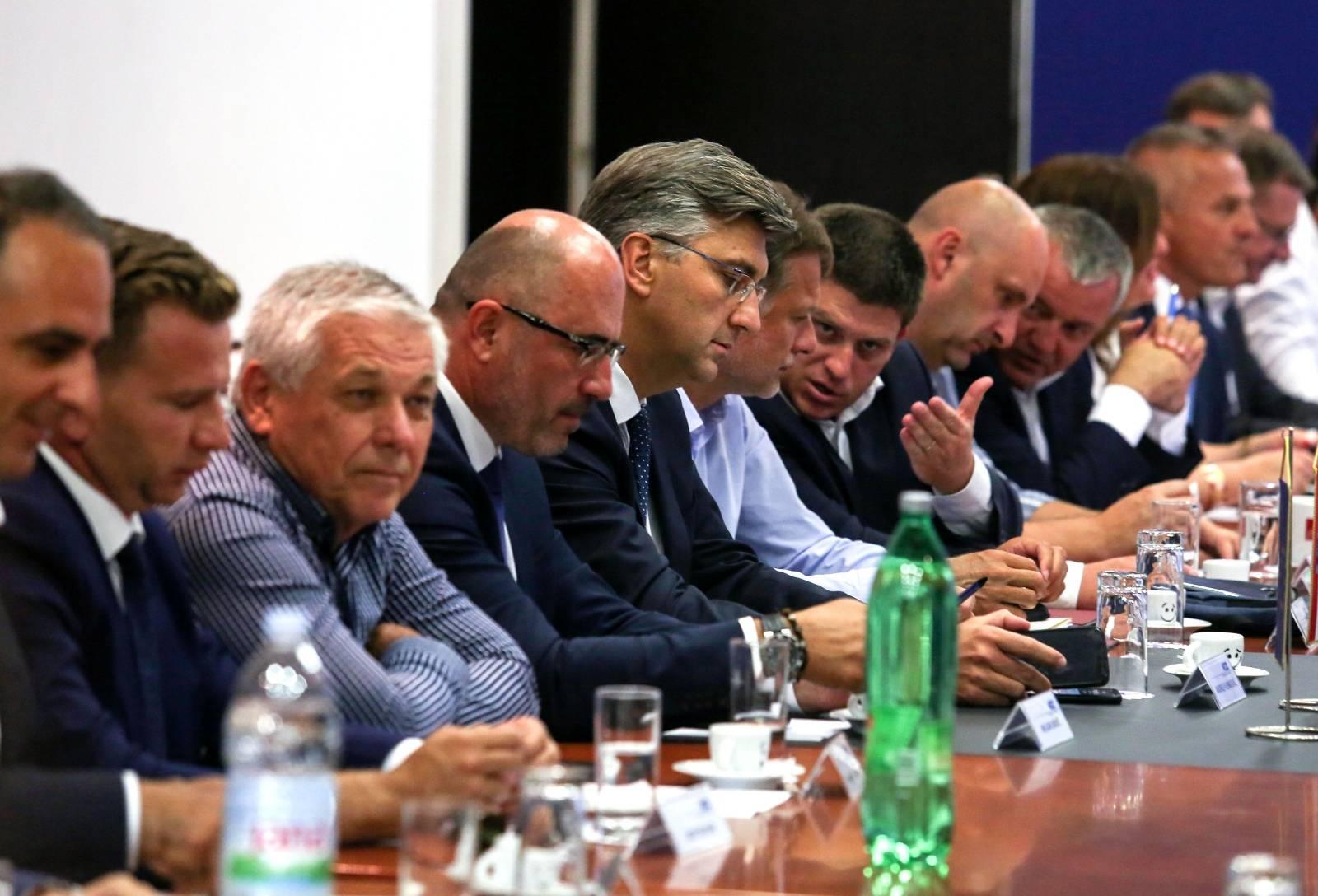 Zagreb: Sjednica Predsjedništva i Nacionalnog vijeća HDZ-a