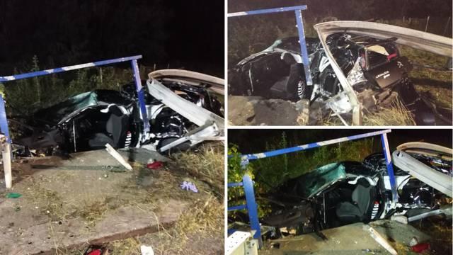 Stravična nesreća: Probili su ogradu autom, muškarac umro