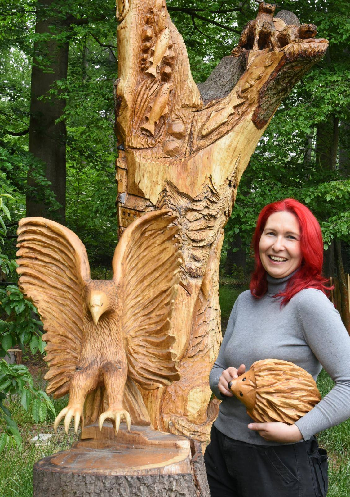 "Köhlerliesel"" as chainsaw artist"