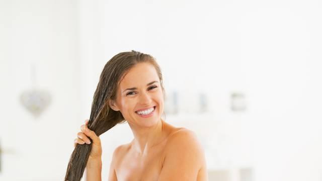 Maska od meda i soka od luka pospješuje rast i obnovu kose