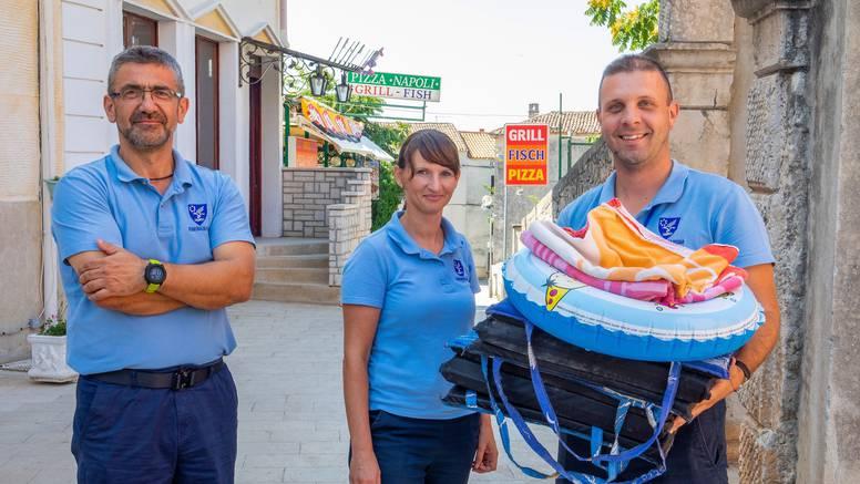 Policija za ručnike: 'Turisti ne mogu staviti ležaljku u zoru  i ići na kavu. Postoje kazne za to'