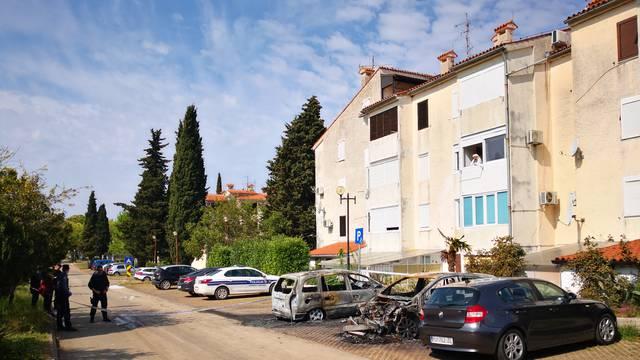 Izgorjeli BMW, Mercedes i Opel na parkiralištu nedaleko Poreča