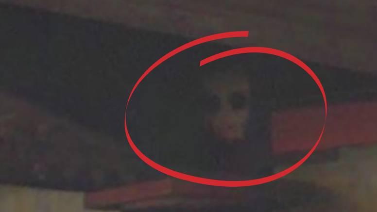 Na Google Earth zumirao kutak ispod njujorškog mosta, a kad tamo - demonska figura klauna