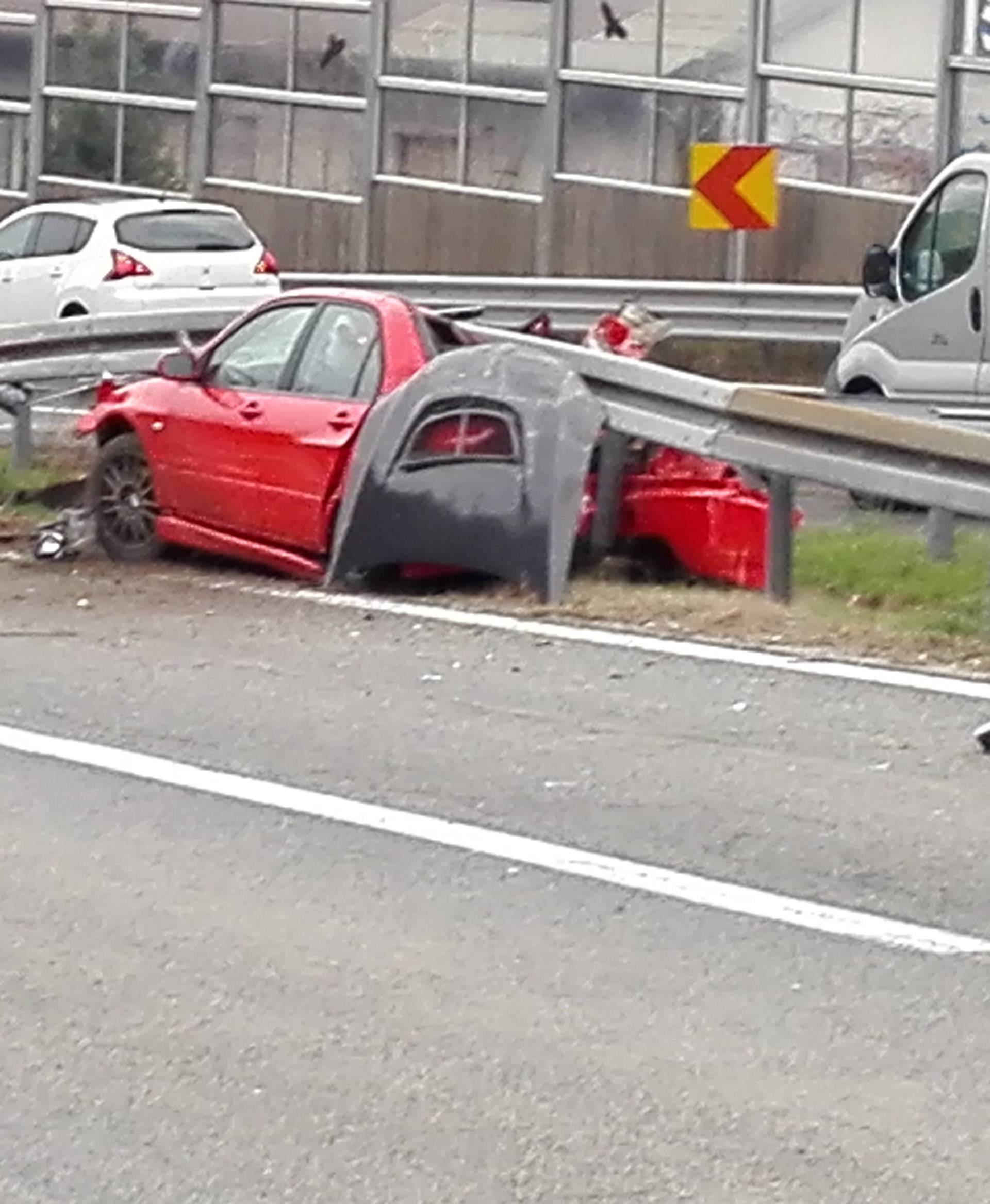 Zabio se Mitsubishijem ispod zaštitne ograde pa pobjegao