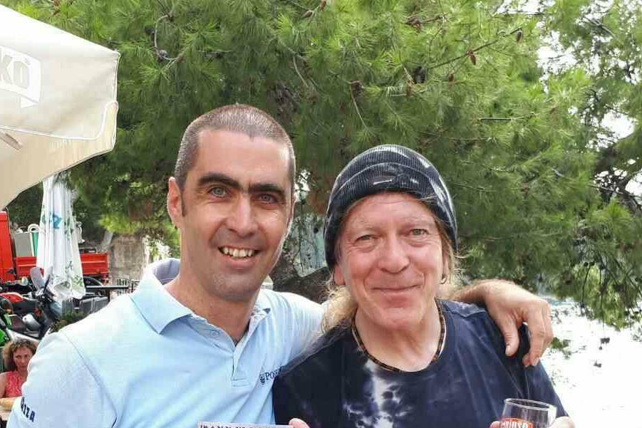 Gitarist Iron Maidena Janick Gers uživa na Jadranskoj obali