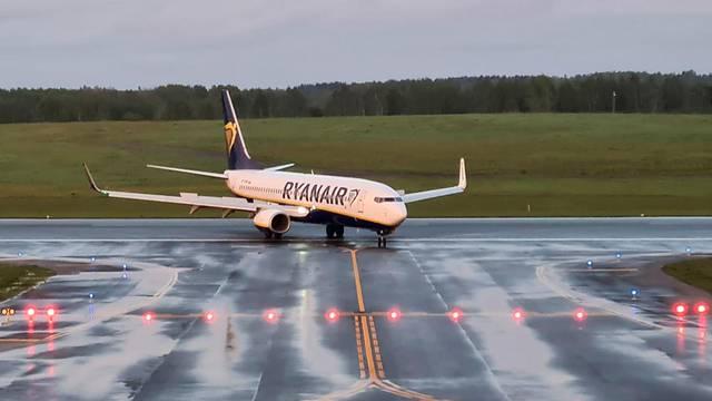 Ryanair tvrdi da je bjeloruska kontrola leta odbila zahtjev pilota da kontaktira tvrku