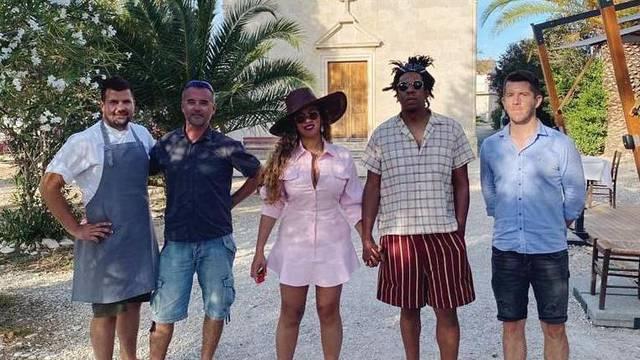 Na otoku Vrniku uspjeli 'uloviti' Beyonce: 'Poslala nam je fotku'
