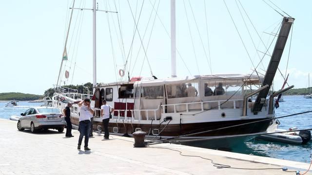 Trovanje Talijana: Uhitili su vlasnika i kapetana jedrenjaka