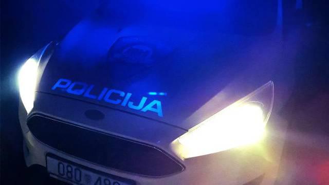 Nesreća u blizini Solina: Vozač izgubio kontrolu i prevrnuo se