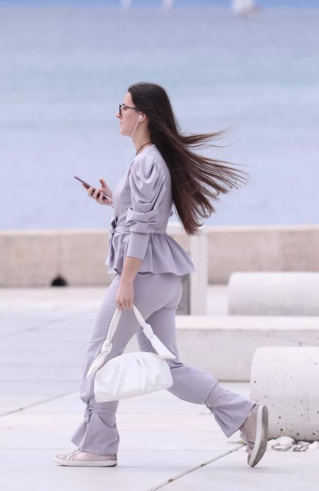 Žene zavladale Splitom: Pažnju su plijenile svojim zavodljivim i ženstvenim kombinacijama