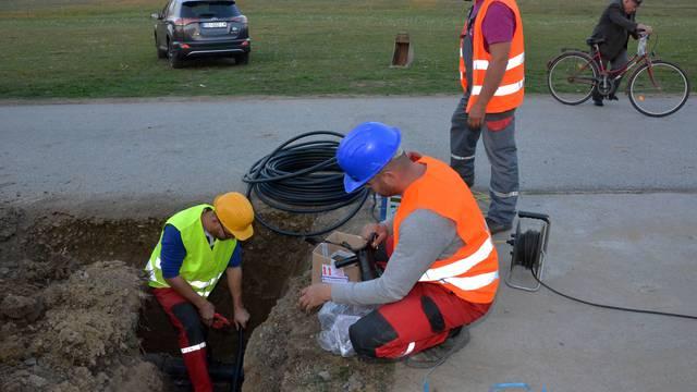 Ministar Ćorić obišao radove na povezivanju vodoopskrbnog sustava Slavonski Brod