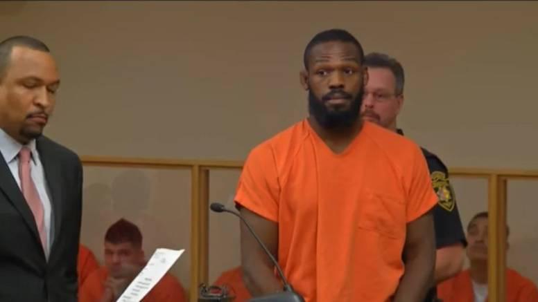 Jonesa uhitili zbog napada na zaručnicu: Pokušao je pobjeći