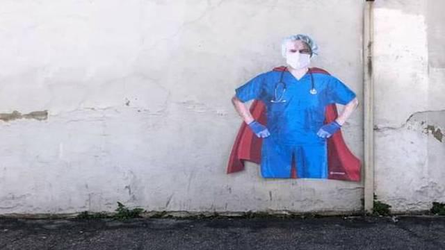Oni su superheroji današnjice: Grafitom podržali superdoktore