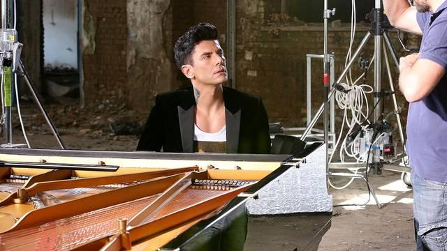 Mrvica obradio hit 'All of Me': 'Dirnuo si me u srce, savršeno'