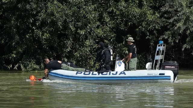 Kod Gradiške pali u Savu, dvoje  spasili, muškarca (47) još traže