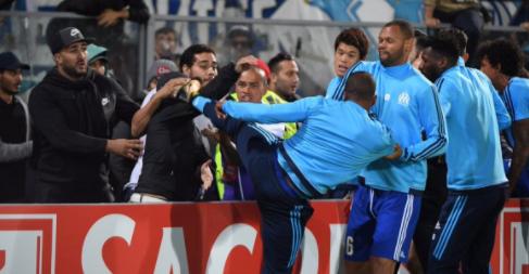Evru klub suspendirao nakon što je udario svog navijača...