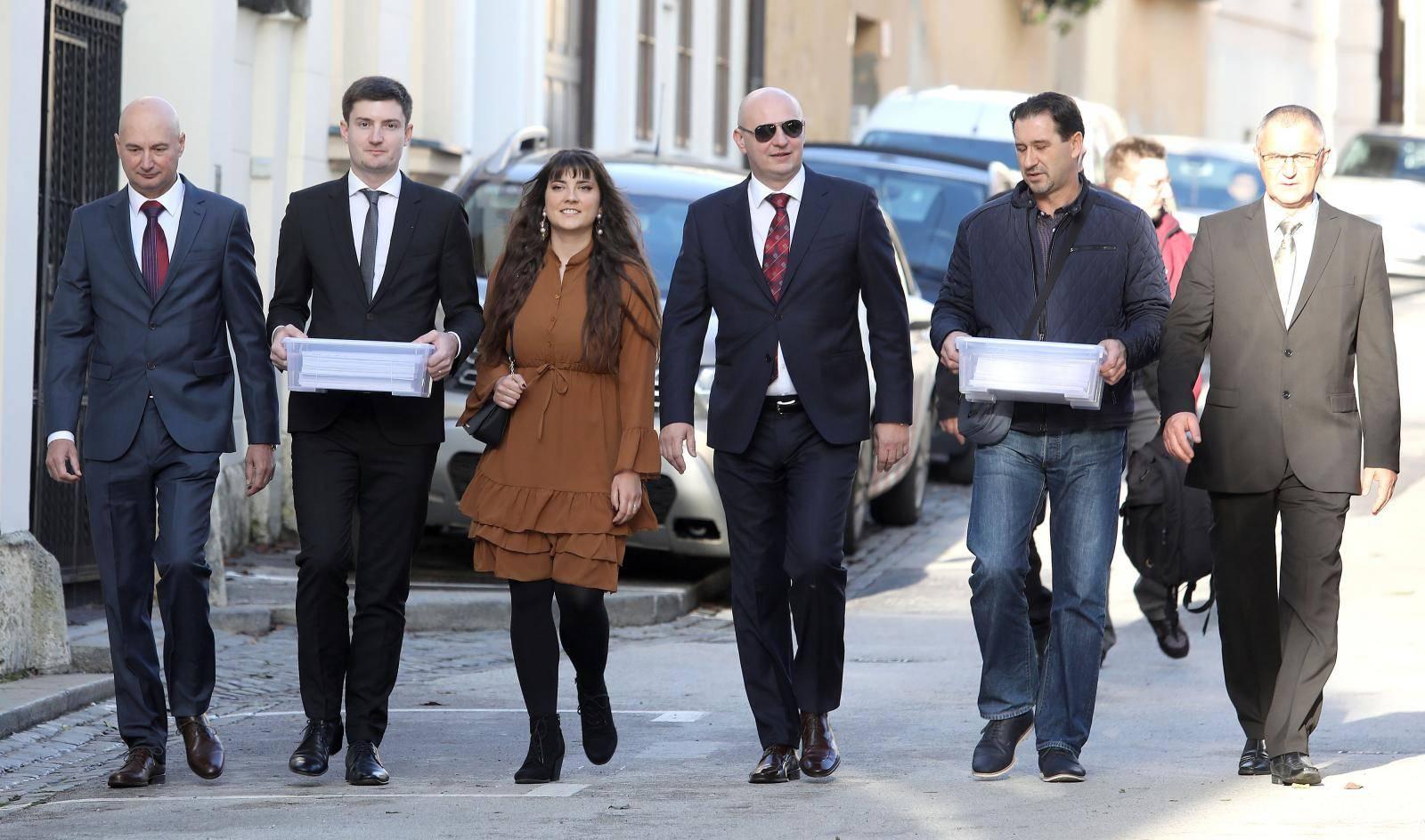 Zagreb: Mislav Kolakušić predao kandidaturu za predsjednika RH