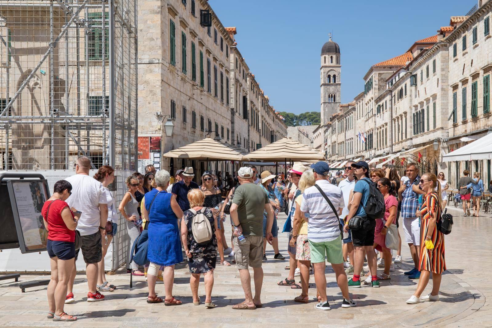 Broj turista u Dubrovniku raste iz dana u dan