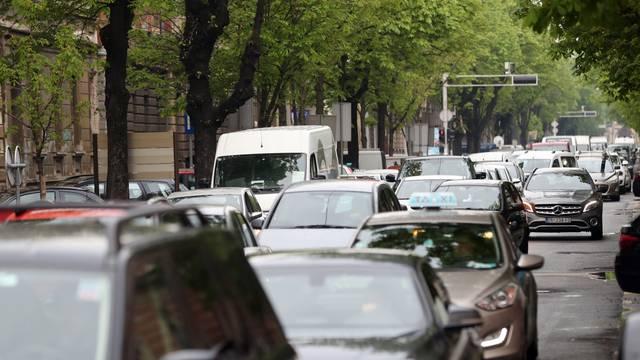 Zagreb: Prometna gužva u centru grada zbog posjeta kineske delegacije