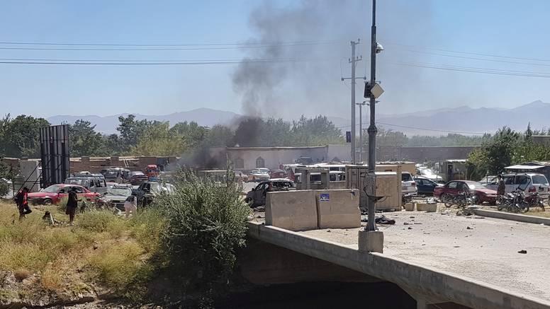 U samoubilačkom napadu u Afganistanu ubijen jedan vojnik