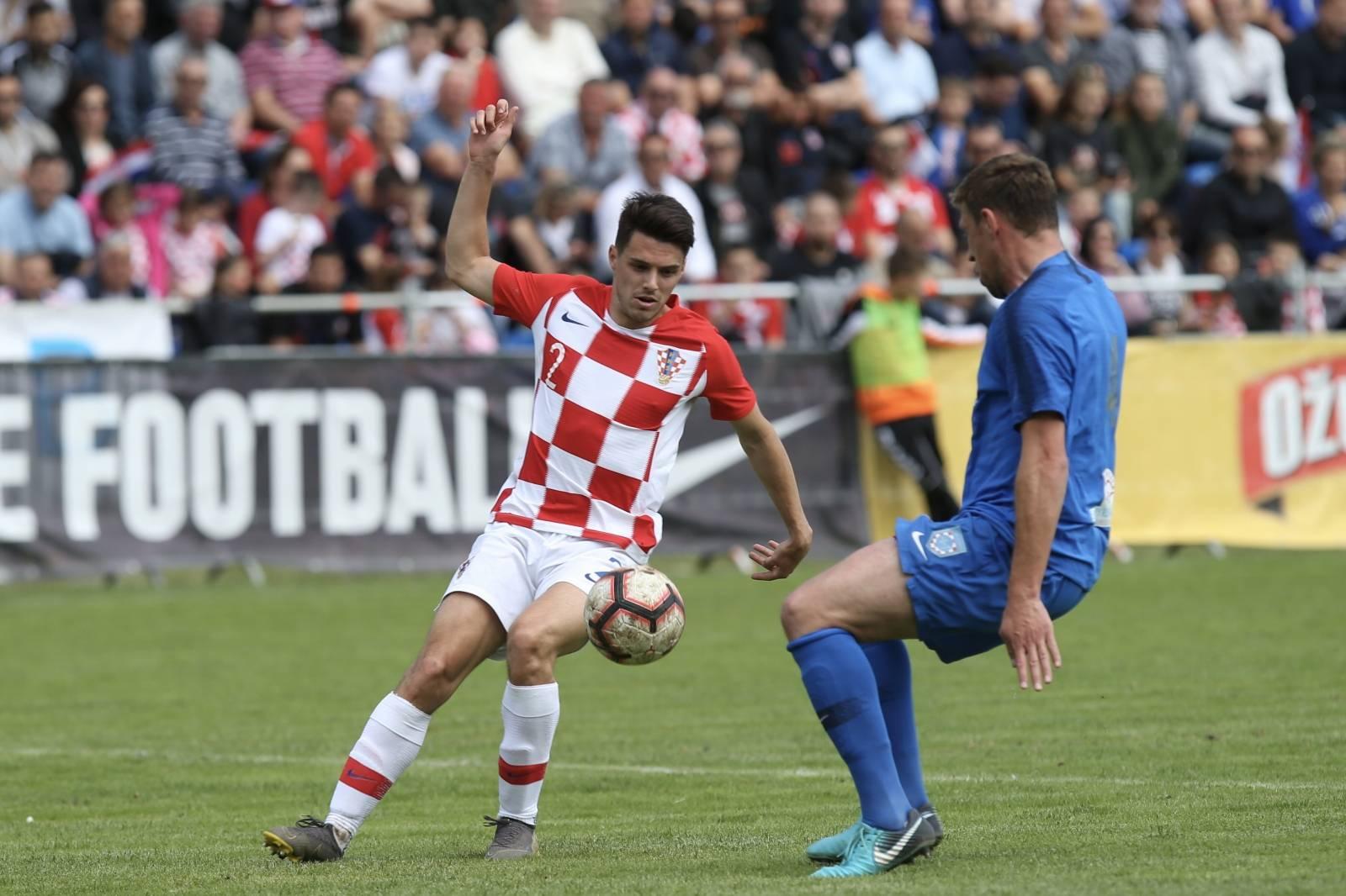 Prijateljska utakmica Hrvatske nogometne reprezentacije i NK Omiš povodom 100 godina istoimenog kluba