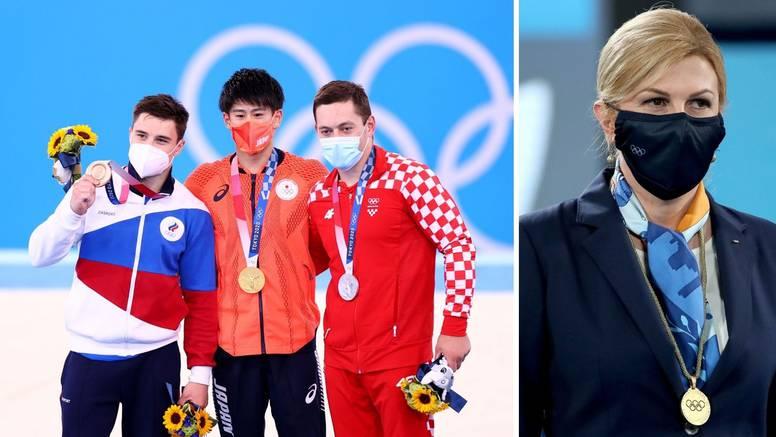 Kolinda dodijelila medalju Tinu Srbiću pa mu je oduševljeno poručila: Želim ti svako dobro!