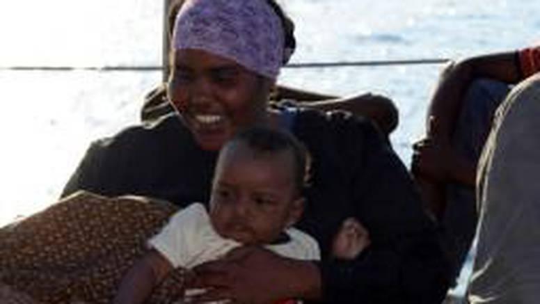 Italija: Zaustavili brodove sa 600 afričkih izbjeglica