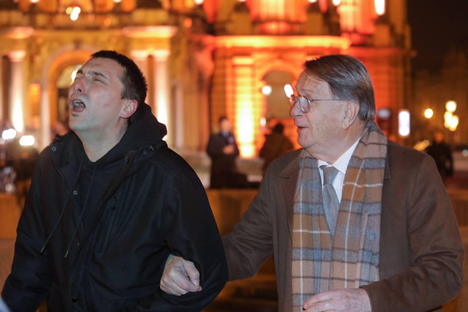 Zagreb: Umjetničkoj akciji Delirium interruptum pridružio se Ćiro Blažević