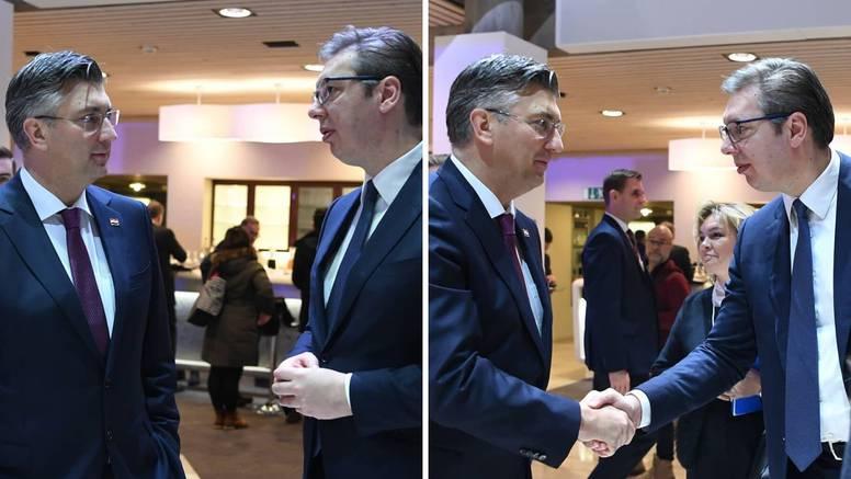 Vučić se pohvalio fotkama s Plenkijem na forumu u Davosu