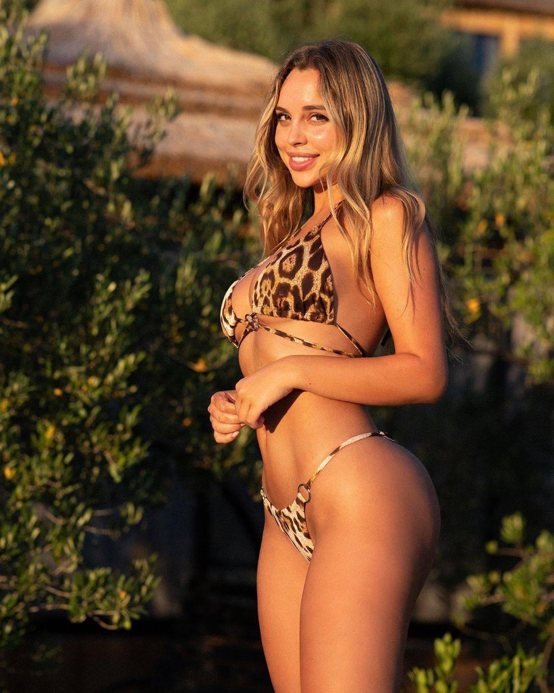Prati je 3 milijuna ljudi: Poljska influencerica nahvalila Jadran, a sada nosi 'hrvatski' bikini