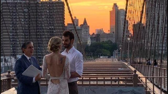 Nisu htjeli nikoga na vjenčanju, ali prolaznica ih je ipak uslikala