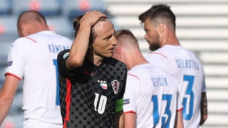 Modrić otkrio zašto je Lovren izveo slobodnjak i priznao: Od starta kvalifikacija to nije to...