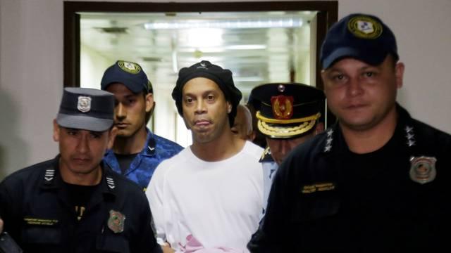 Judge rules Ronaldinho must remain in Paraguayan jail