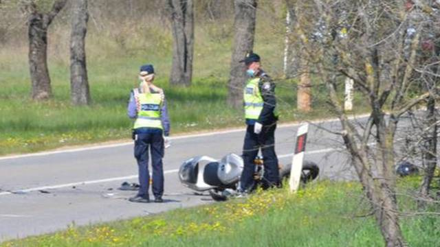 Slovenac kod Buzeta motorom sletio s ceste, teško je ozlijeđen