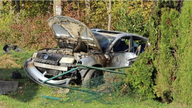 Vozač auta  u kritičnom stanju:  Sletio  s ceste i udario u ogradu