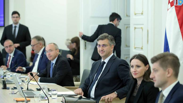 Ministri moraju na europski tečaj govorenja i ponašanja