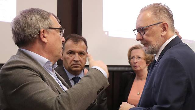 Zagreb: Konferencija za medije Nacionalnog stožera civilne zaštite o koronavirusu