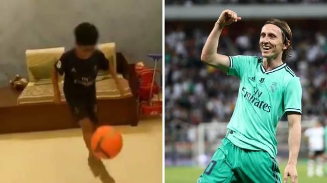 Dječak (9) žonglirao 200 puta s loptom u čast Modrića: 'Nadam se da će Luka vidjeti ovaj video'
