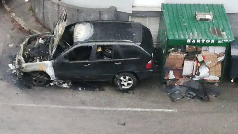BMW je izgorio zbog kvara? Policija: Već dugo se ne koristi