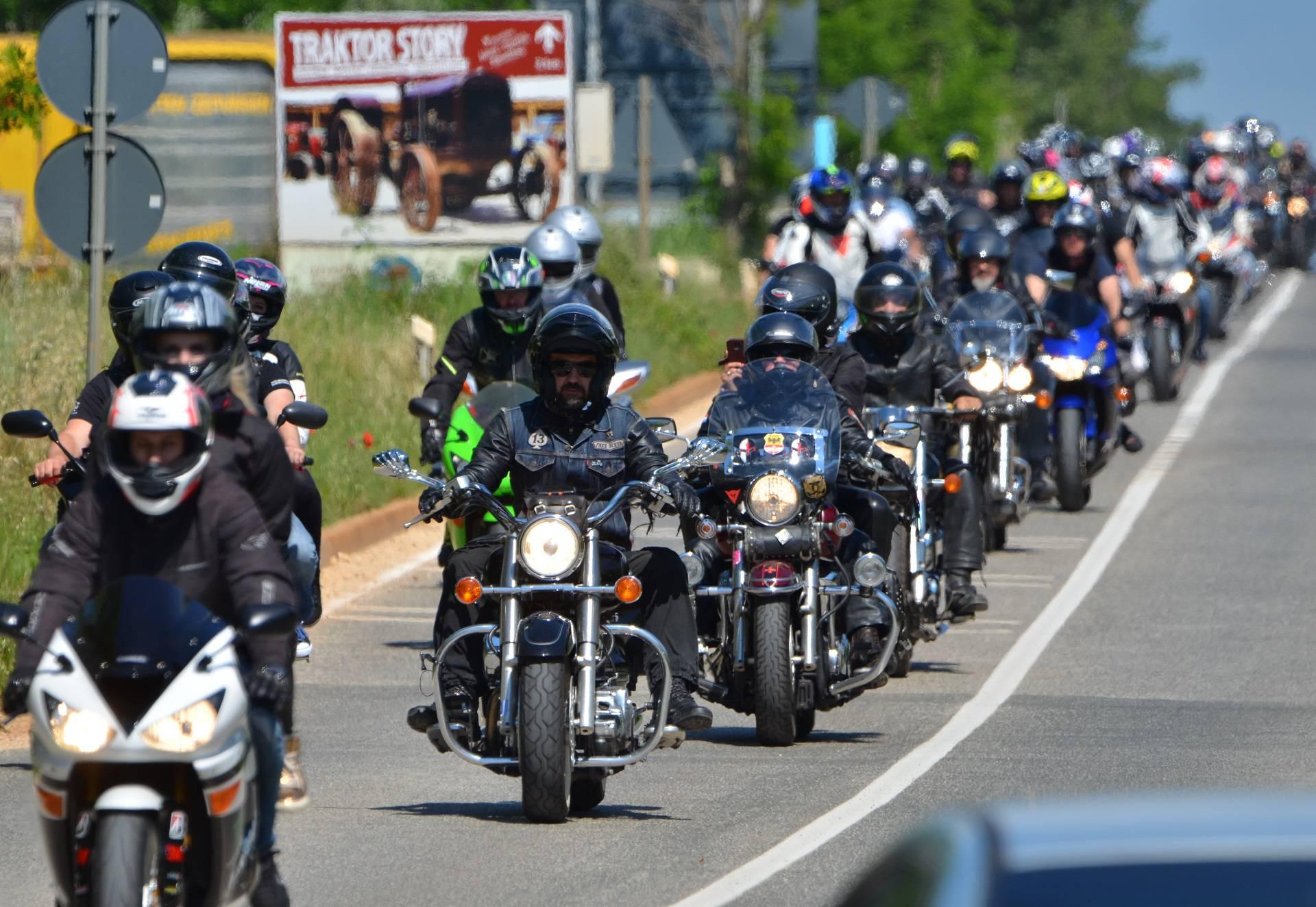 Bikeri okupirali Poreč: Uživali su u utrkama i ludim vožnjama