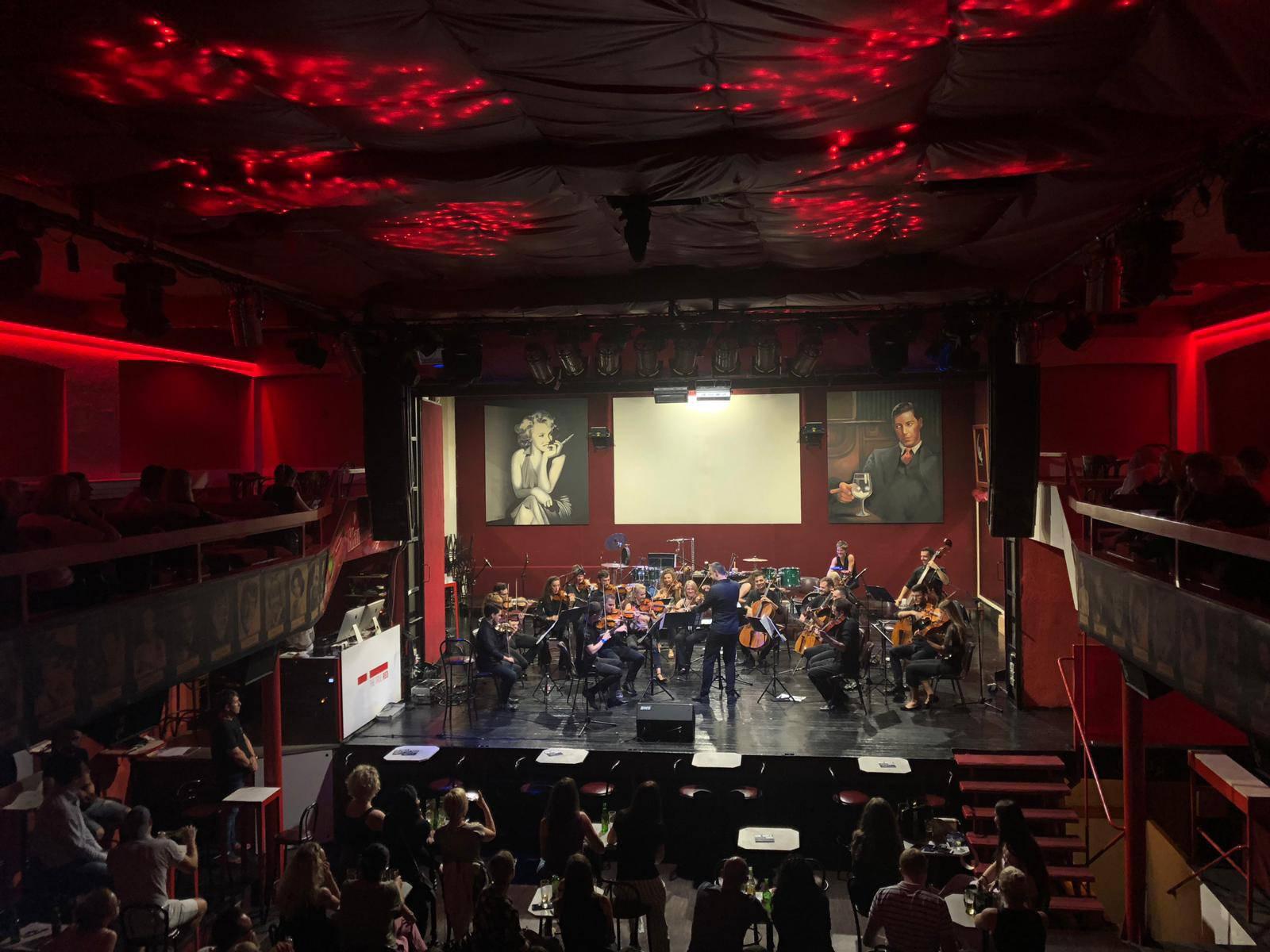 Ansambl No Borders Orchestra nastupa ovaj mjesec u 'Laubi'