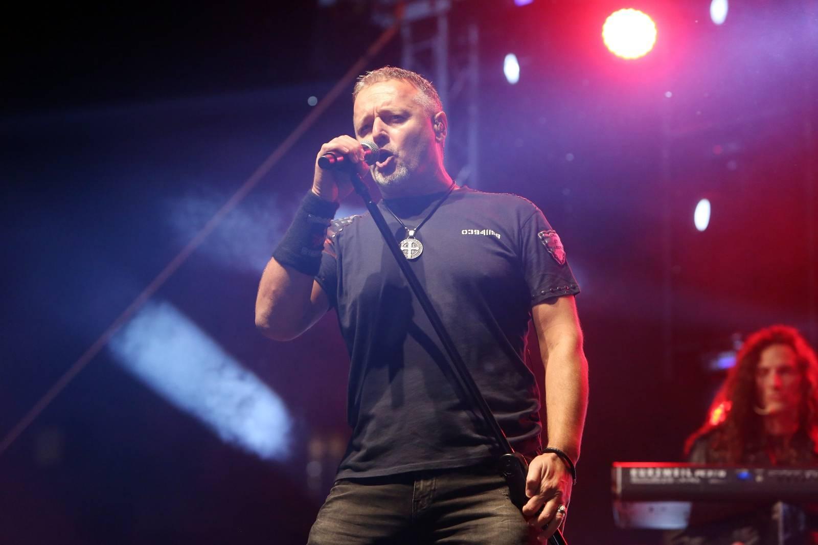 Duga Resa: Koncert Marka Perkovića Thompsona na stadionu NK Duga Resa