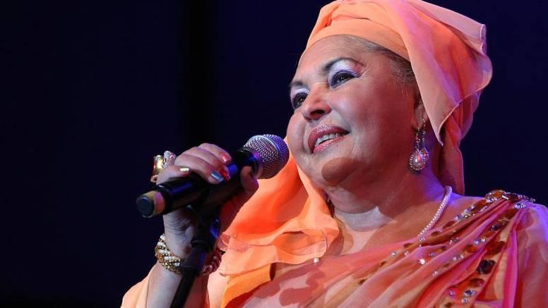Snimila više od 1000 pjesama i odgojila 47 sinova i jednu kćer
