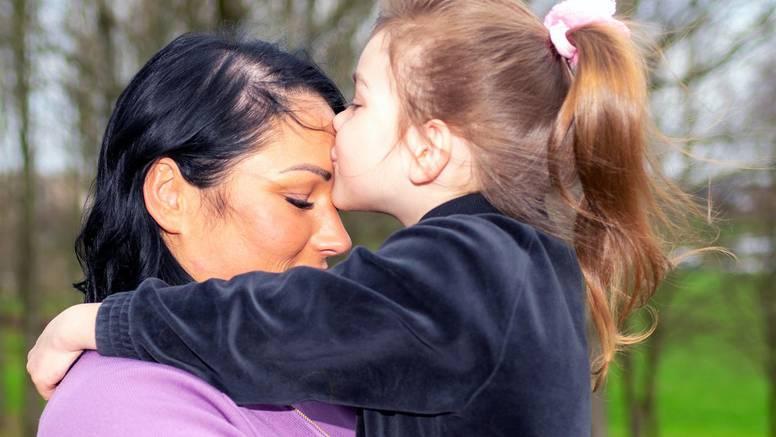 Poljubac u čelo prakticirajte što češće - djeluje dobro na dušu