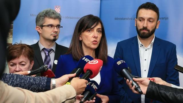 Osijek: Blaženka Divjak održala sastanak s ravanteljima o kurikularne reforme