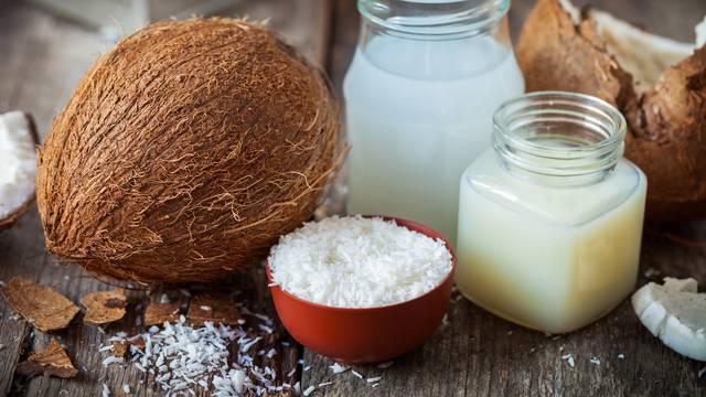 Kokosovo ulje je super saveznik iz prirode za jaču i zdraviju kosu